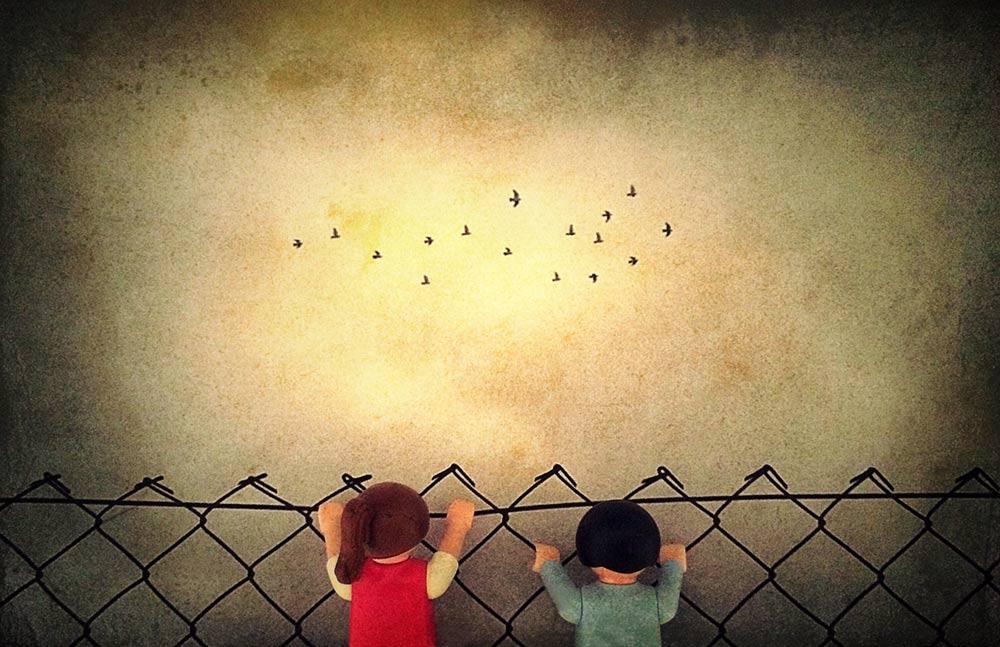 Η εικόνα δυστυχισμένων παιδιών είναι ανεπίτρεπτη σε έναν μοντέρνο, εκσυγχρονισμένο Δυτικό κόσμο...